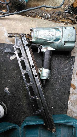 Photo Hitachi framing gun