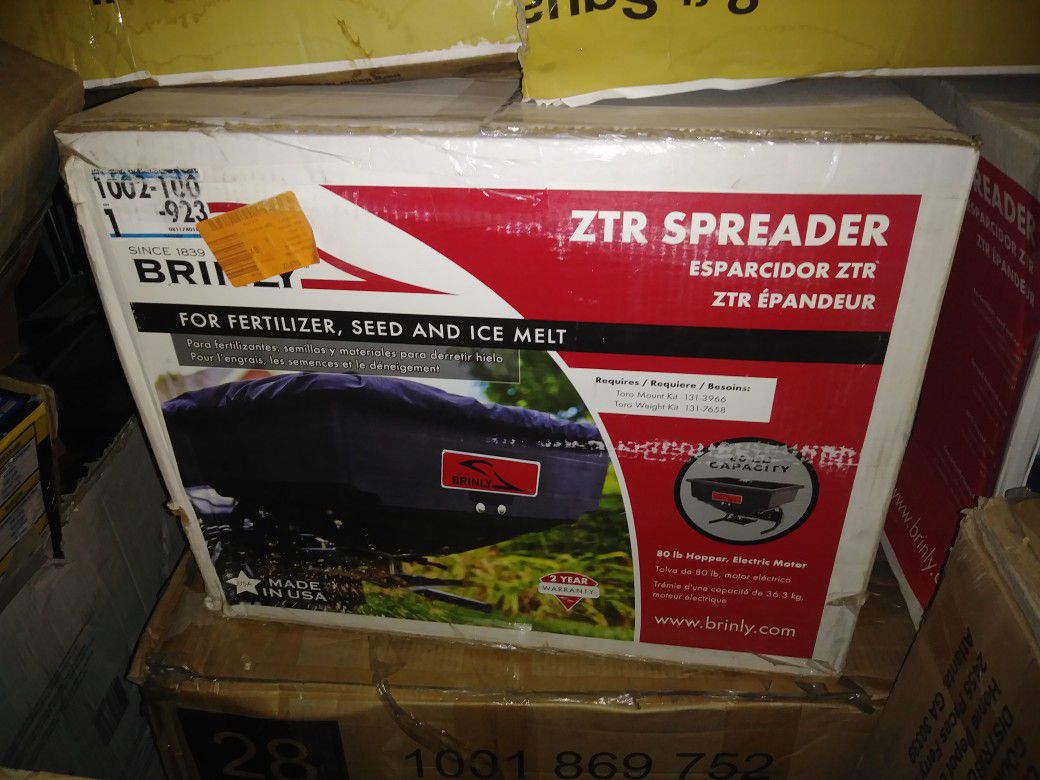 Brinly-Hardy Rear Mounted ZTR Spreader (4)
