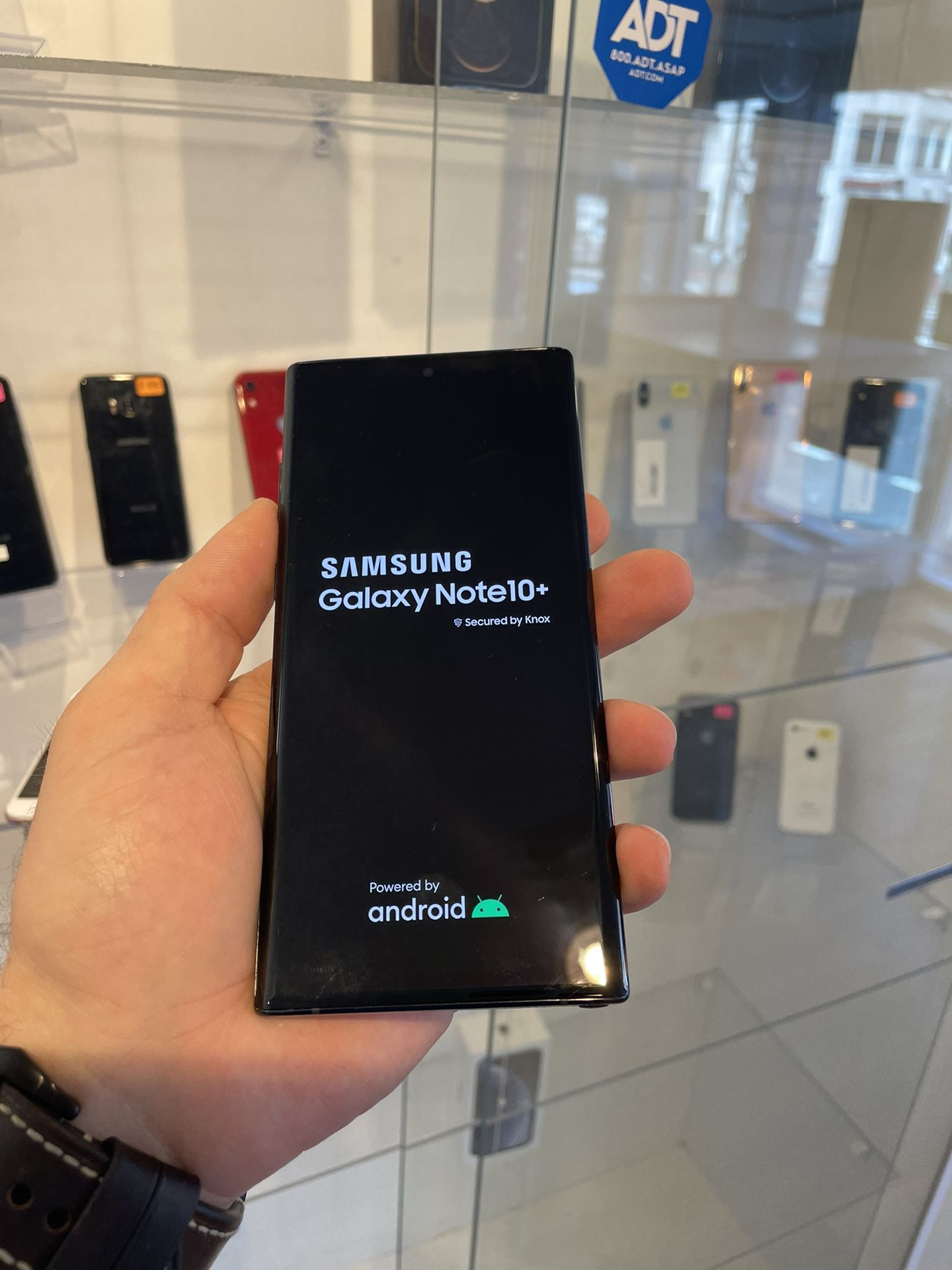 Galaxy Note 10 Plus . Unlocked Excellent Condition  (Financing Available )