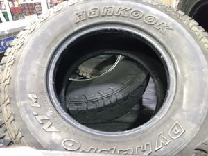 Photo Hanook set of 4 tires 315/70/17