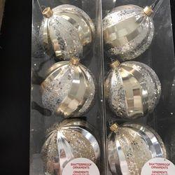 6 Silver And gold Ornaments Thumbnail