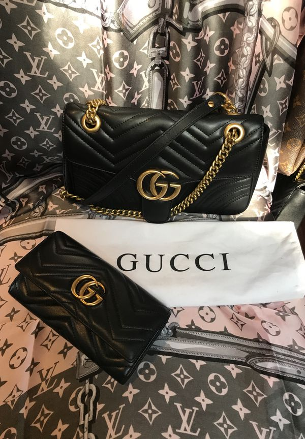 24e28abc47e Gucci's Black leather 2pc Marmont set large crossbody for Sale in ...