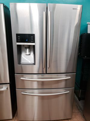 Refrigerator Samsung 4 Door like New for Sale in Los Angeles, CA