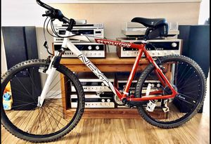 Photo Mountain Bike NEXT RETRO MTB VERY CLEAN!!
