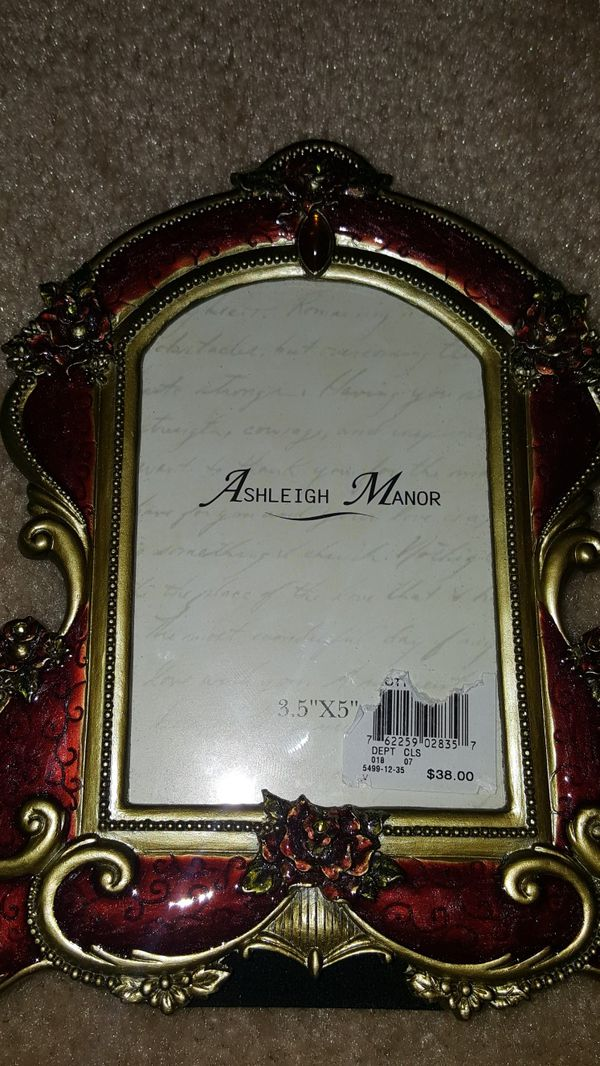Ashleigh Manor Frame-Brand New for Sale in Fairfield, CA - OfferUp