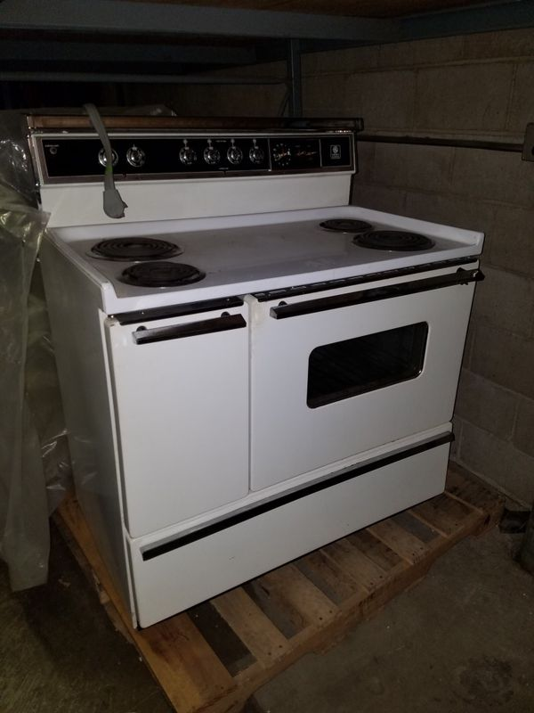 Retro Electric stove for Sale in Pittsburgh, PA - OfferUp
