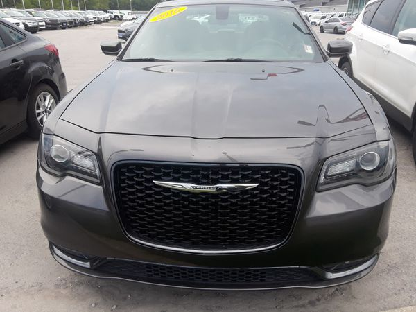 2016 Chrysler 300 Grey In Color 29420 Mi The Price Is 27 800 For Sale