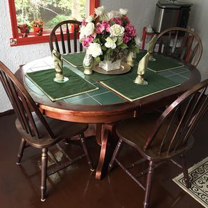 Green ceramic table set for Sale in Arrington, VA