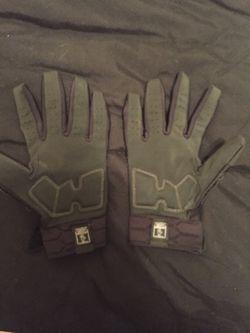 Under armor lineman gloves Thumbnail