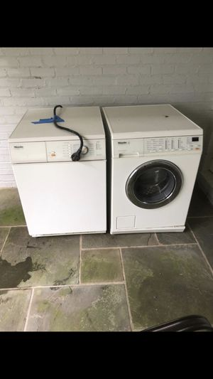 Washer and dryer good condition for Sale in Upper Marlboro, MD