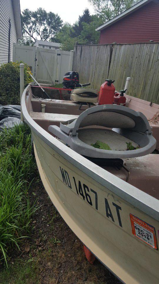 Photo 14 Ft Starcraft Boat