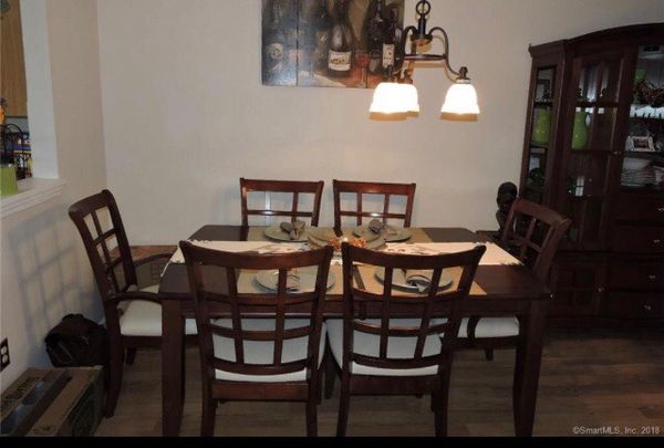 Complete dining room set $625 - dining table, expandable leaf, 6 ...