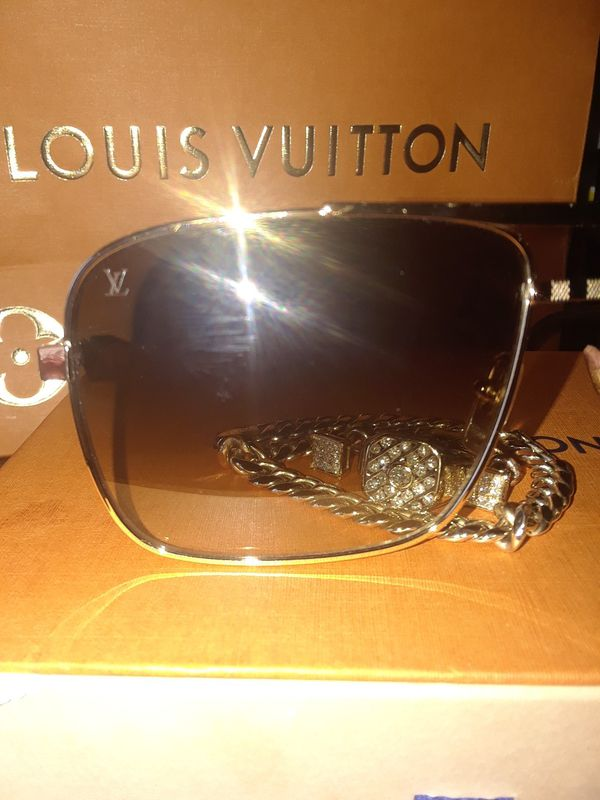 b07c55178a Louis vuitton sunglasses for Sale in Hayward