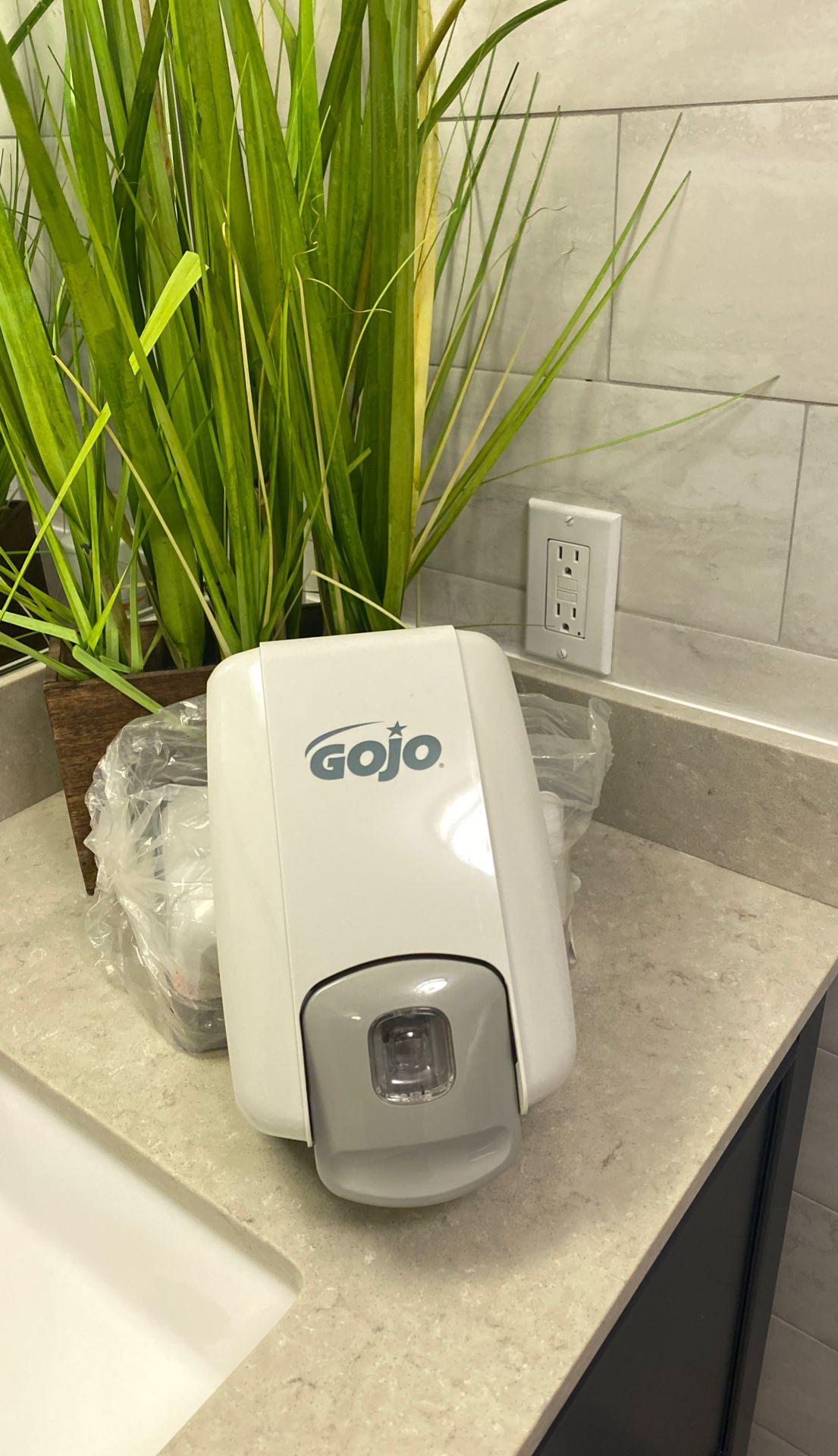 Soap dispenser Gojo commercial
