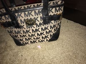 Michael Kors purse for Sale in Glen Burnie, MD