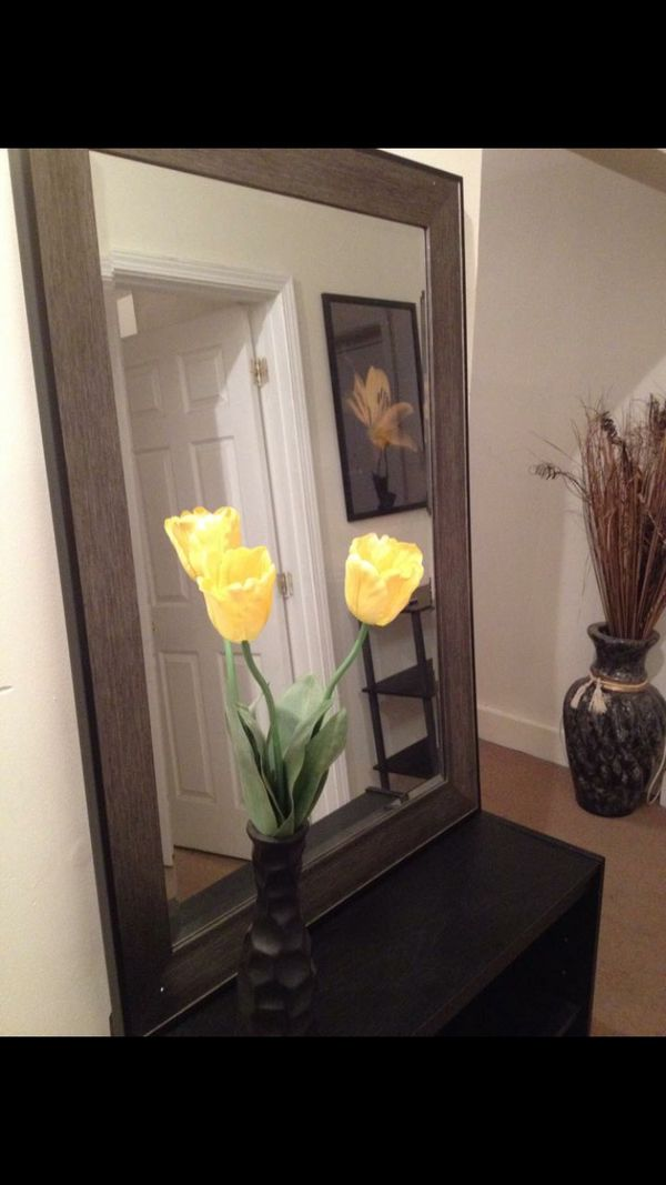 Nice heavy mirror w/ 2 floor vases for Sale in Chicago, IL - OfferUp