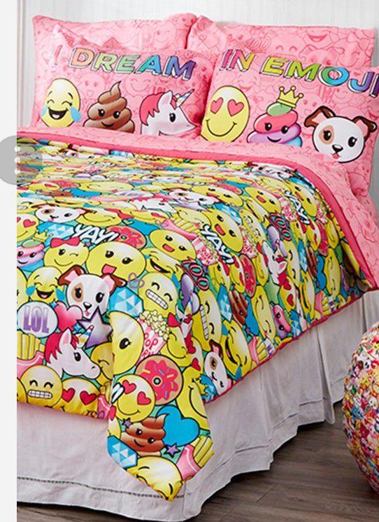 Emoji Twin Bedding Set