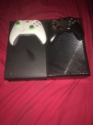 Xbox One with 1 controllers for Sale in Washington, DC