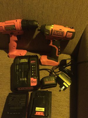 Black and decker multiple drill kit with batteries and chargers for Sale in Casselberry, FL