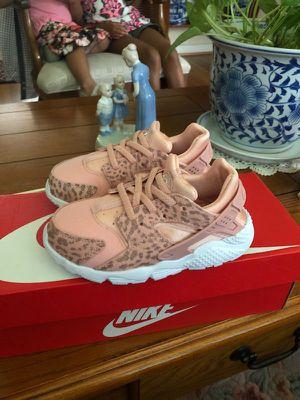 Nike huarache run SE shoes toddler sz 10 for Sale in Aspen Hill, MD