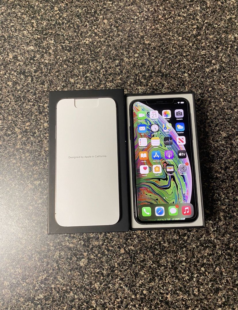 BRAND NEW IPHONE XS MAX (64GB) FACTORY UNLOCKED  (SPACE GREY)