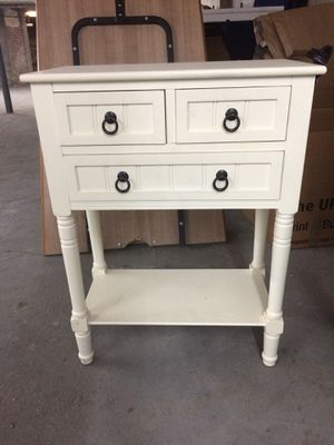 Small 3 drawers table for Sale in New York, NY