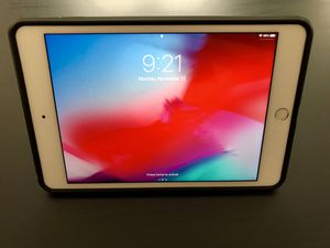 iPad Mini 4 128GB with accessories for Sale in Chantilly, VA