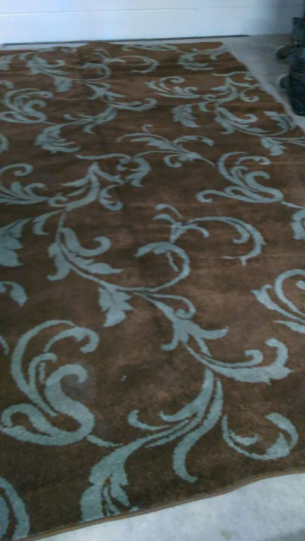 Rug By Shaw 2 8x 10 1 5x7 75 00 Each For Lrg 45 00 For
