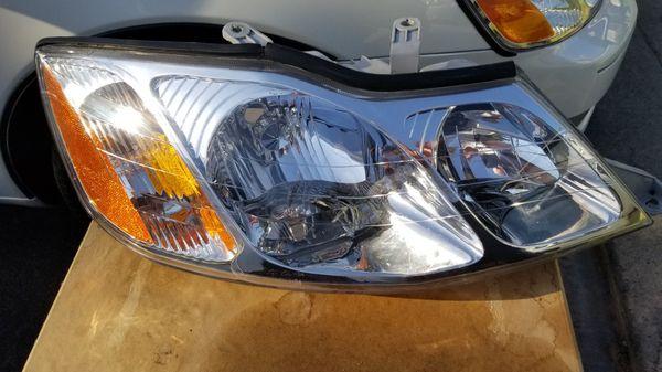 2000 2004 Toyota Avalon Headlight Set Pair 2