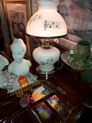 Vintage Musical note themed hurricane lamp for Sale in Allentown, PA