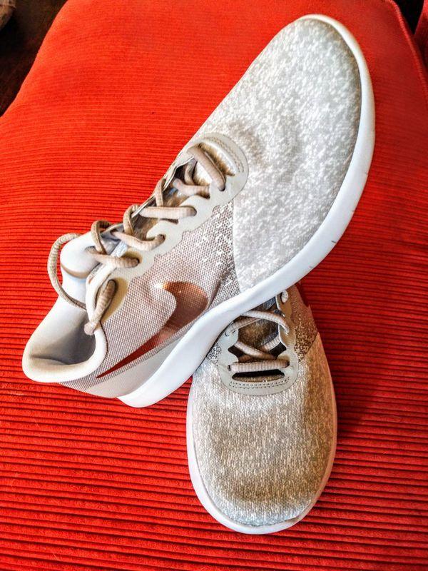 di nuovo nella scatola delle dimensioni della nike, flex contatto scarpe da corsa grey