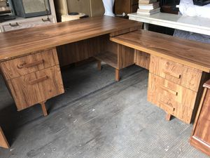 L shaped desk for Sale in Freedom, PA
