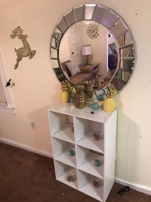 Wall mirror decor for Sale in Woodbridge, VA