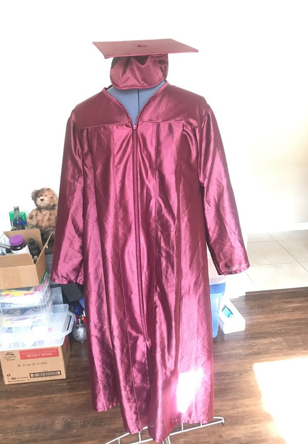Cap and Gown Graduation for Sale in Kissimmee, FL - OfferUp
