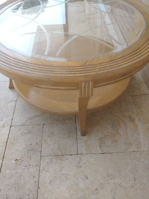 """40 """" INCHES ROUND TABLE WITH BEVELED GLASS DESIGN. for Sale in Miami, FL"""