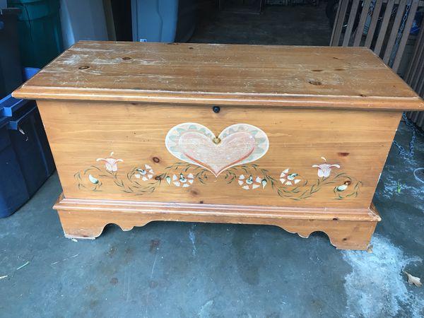 Lane Cedar Hope Chest Folk Art Heart Need To Sell For