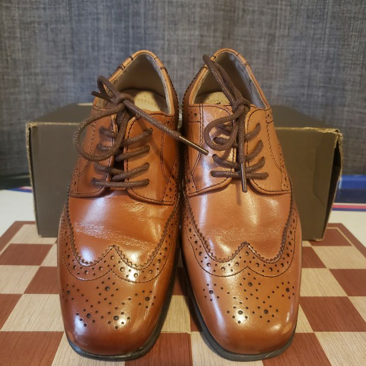 Boys Dress Shoes/ Loafers