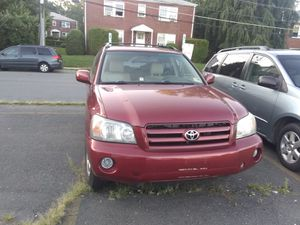 2006 Toyota Highlander 11900 for Sale in Forest Heights, MD