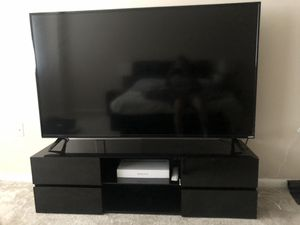 65 inch Vizio smart TV with Tv Stand for Sale in Silver Spring, MD