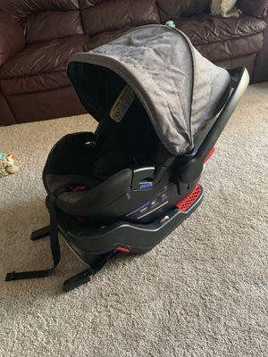 Britax infant Car seat + Base for Sale in NO POTOMAC, MD