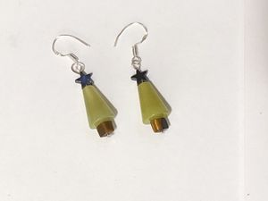 Christmas tree gemstone earrings for Sale in Kirkland, WA