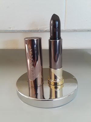 """Fall/Winter Sexy Gothic Vampy Sephora Urban Decay Vice Lipstick Comfort Matte in """"Blackmail"""" for Sale in Bell, CA"""