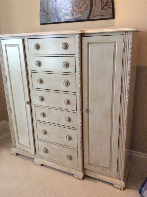 7 Drawer dresser chest clothes organizer bedroom furniture for Sale in  Naples, FL - OfferUp