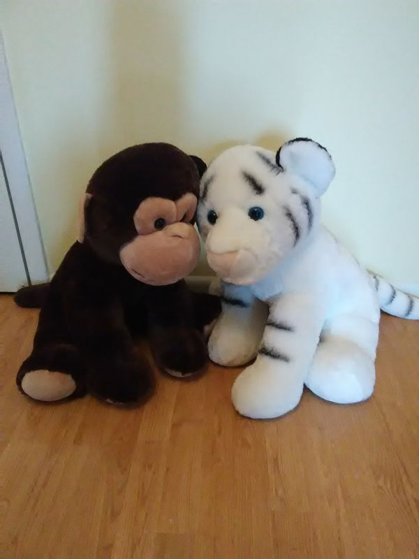 Jumbo Stuffed Animals Tiger And Monkey Baby Kids In Chicago