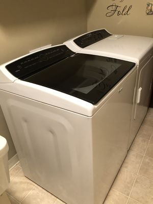 Whirlpool Cabrio washer & dryer set for Sale in Tacoma, WA