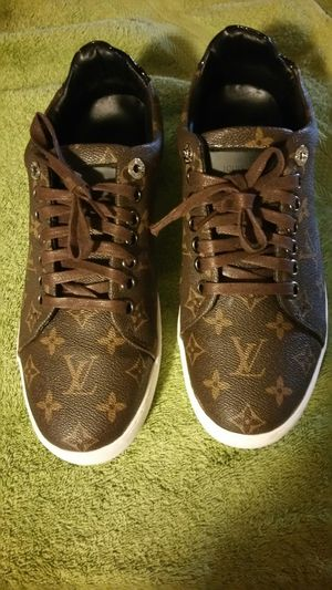 aa98cf2c7 Louis Vuitton mens sneakers