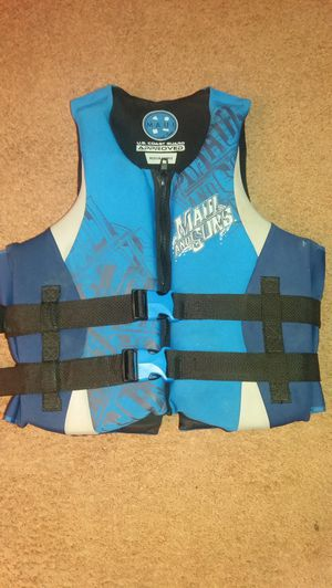 Maui and Sons life Vest for Sale in Cleveland, OH