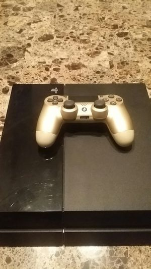 Ps4 with controller for Sale in Woodbridge, VA