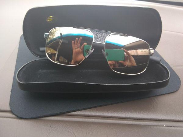 4488488db0 Louis Vuitton Men s Sunglasses