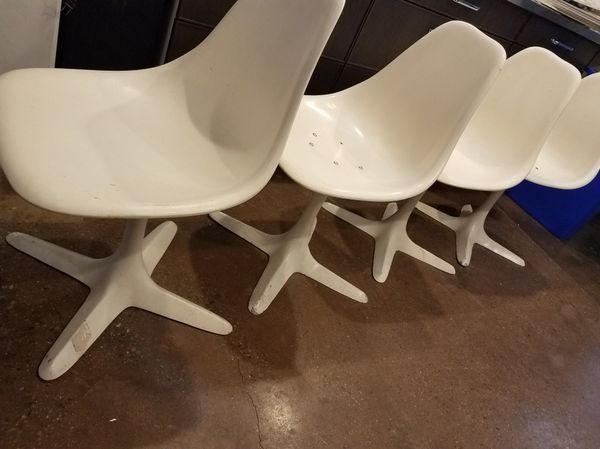 Burke 113 Tulip Chairs Star Trek Mid Century Original For Sale In